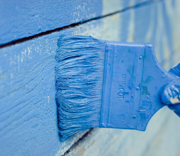 re-paint your garage door in 5 easy steps