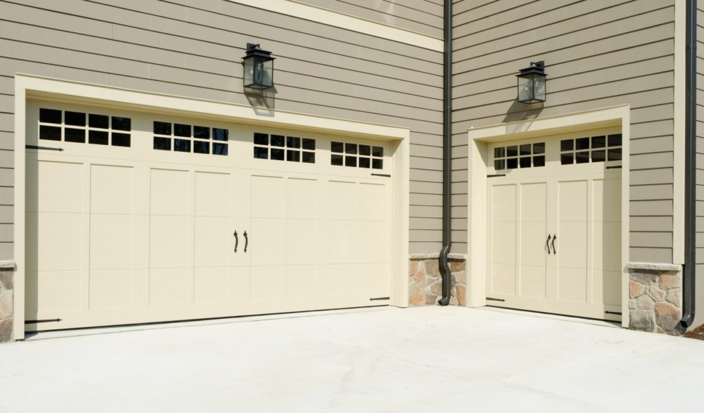 a double car garage door bay and single car garage door bay in Vancouver WA
